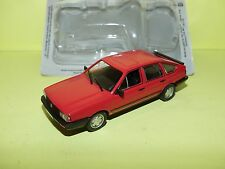 VW PASSAT B2 Rouge rosé ATLAS Blister 1:43