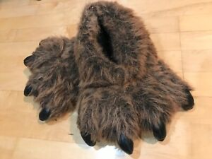 Grizzly Bear Paw Slippers women 6-7 used condition