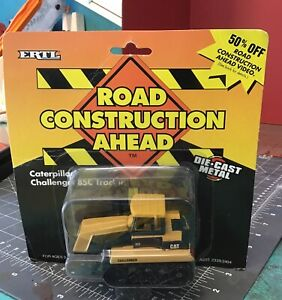 1995 Ertl Road Construction Ahead Caterpillar Challenger 85C Tractor Diecast
