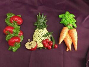 3 VTG Ceramic Vegetable Wall Hangings Retro Tomato Carrot Pineapple Apple (6B2)