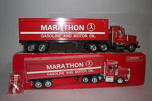TAYLOR MADE TRUCKS MARATHON GASOLINE & MOTOR OIL TRACTOR TRAILER BOX TRUCK, 1:32