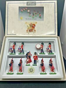 WILLIAM BRITAINS 8305 THE SCOTS GUARDS BAND - MIB - TOY SOLDIERS 1:32 SCALE