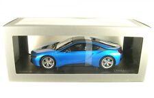 BMW i8 (protonic azul/congelado gris)