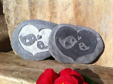 Hand carved Mummy & Baby bird stone, perfect gift for a Mummy, Nanna or Daddy