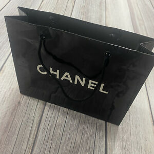 Authentic Chanel Reusable Paper Shopping Gift Bag 8x10x3 in Black Rope Handle