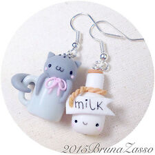 Orecchini Gatto Tazza + Milk ~ Cute Chibi Cat Kitty Earrings Fimo Clay Gray