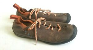 KEEN BROWN MOCCASIN Sz 6 Womens Leather