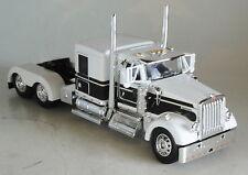 """DCP KENWORTH W900 60"""" WHITE BLACK FLATTOP CAB ONLY 1/64 DIECAST 33466"""