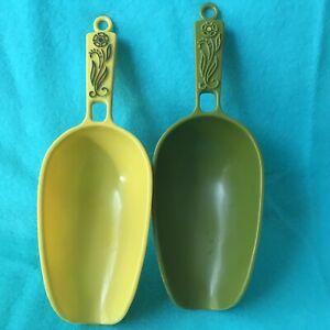 2 Vtg Stacking Scoops Green & Yellow Plastic Great For Coffee Sugar Candy USA