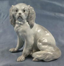 Cavalier Pekinese Porzellanfigur hund porzellan spaniel figur Heubach um 1900