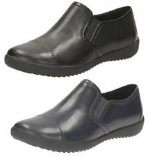 Clarks Standard Width (D) Lace-up Shoes for Women