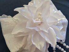 Weiße Blume mit Schleife Haarschmuck Spange festlich Handarbeit