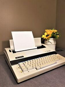 Vintage Smith Corona XE 5200 Typewriter