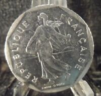 CIRCULATED 1982 2 FRANCS FRENCH COIN(101618)1.....FREE DOMESTIC SHIPPING!!
