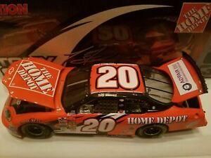 TONY STEWART 2003 HOME DEPOT 1/24 ACTION DIECAST CAR 1/29,700