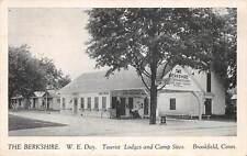 BROOKFIELD, CT, THE BERKSHIRE, TOURIST LODGE, SNACK BAR, GAS PUMP c. 1930-1940's