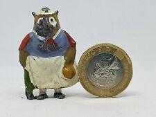 Britains hollow-cast lead Cococub figure - Granny Owl (Yellow bag)