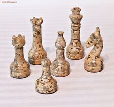 SEMI-PRECIOUS GEMSTONE CHESS MEN - SHELL FOSSIL & BLACK AGATE SET (A470)