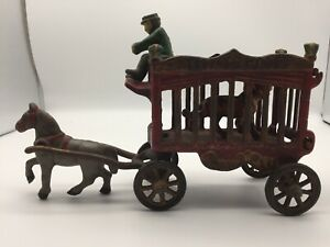 VINTAGE OVERLAND CIRCUS  Cast Iron Horse-Drawn Wagon with Tiger & Driver JM109