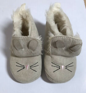NWOT BABY GAP Suede Booties Boots Bunny Size 6-12 Months Non-skid