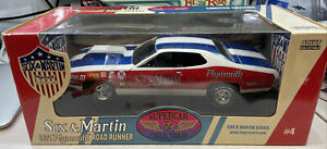 1:18 Ertl Supercar 1971 Plymouth Road Runner Sox & Martin With Scoop