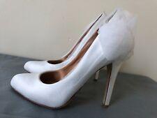 Badgley Mischka textile ivory Floral Pumps heel shoes size 5.5 M