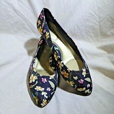 🩰 Soft Style Hush Puppies Pointy Flats sz 9 M Black & Multicolor Flower Print