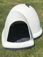 Petmate Indigo White Xl Heavy Duty Igloo-Style Outdoor Dog House 25-125 lbs.