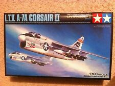 Tamiya  1:100   L.T.V  A-7A  Corsair II  Schachtel in schwarz