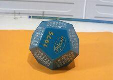 Calendrier 1975, Cube dodécagonal publicitaire Pfizer…