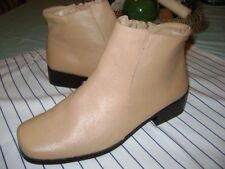 Valley Lanes tan leather Loretta ankle boots 6.5W