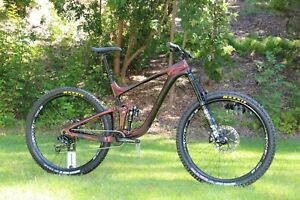 2020 GIANT Reign 29 Advanced - Carbon Mountain Bike - SRAM Eagle, FOX 36, Magura