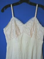 VANITY FAIR Vintage NYLON TRICOT FULL SLIP Pretty Pink FULL LACE BUST Silky 32