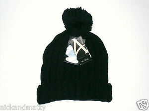 BLACK CABLE KNIT BOBBLE HAT  TEEN-ADULT SIZE