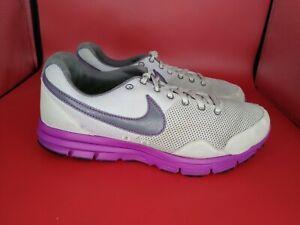 WOMEN'S SIZE 8 Nike RUNNING SHOES Purple/White