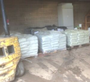 Medium Sandblast Grit ,sand replacement,fast sand blasting rust removal 25kg bag