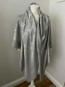 Lovely womens designer grey scarf / shawl by Patek Philippe (comes with box)