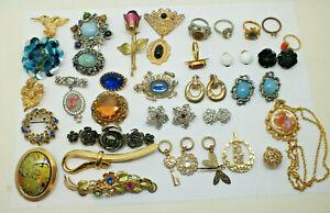 Vintage costume jewellery job lotBrooches Rings Earrings & more 1930s- 1970s