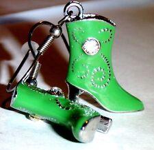 Ohrringe Stiefel Grün Schuhe Damen Ohrschmuck Modeschmuck Hänger Durchzieher