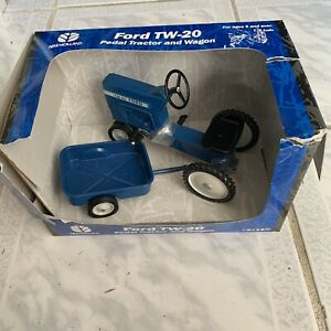 Ford TW-20 Pedal Tractor Replica with Wagon by 1999 Ertl 1/8th Scale BLUE