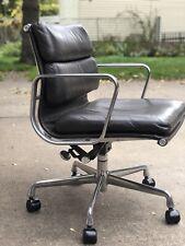 New Listingvintage Leather Herman Miller Eames Soft Pad Management Chair 2003