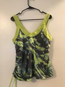 "REEBOK ""Play Dry"" Green Sleeveless Patterned Ruched Workout Athletic Top SIZE 14"