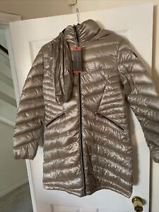 LADIES ANDREW MARC Gold  NYLON AND FEATHER FILLING PUFFER COAT SIZE Medium