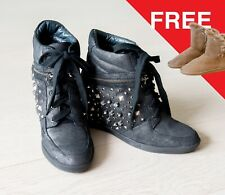 *AS NEW* Staccato Women's Sheep Skin Studded Sneakers Size 38 +FREE Winter Boots