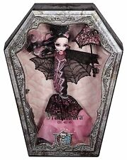 Monster High Draculaura Collector Doll...New in Mint box...