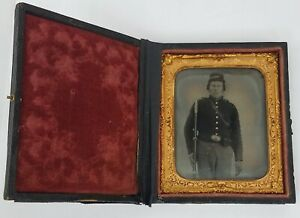 1/6th Plate Tintype Civil War Soldier Armed Photo Original Union Rifle neat