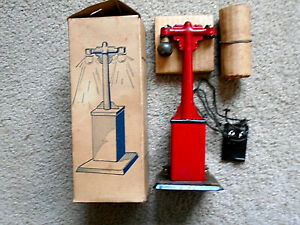 Vintage Louis Marx Electric Lamp Post No.408
