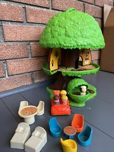 Vintage 1975 General Mills Kenner Tree Tots Family Tree House and accessories