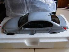 BMW 5er 550i Sedan E60 Facelift Pearl Silber Silver Limousine Kyosho 1/18 ovp