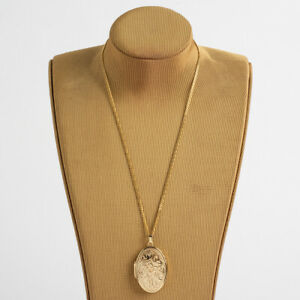 Pretty 9K Yellow Gold Engraved Locket with Chain.